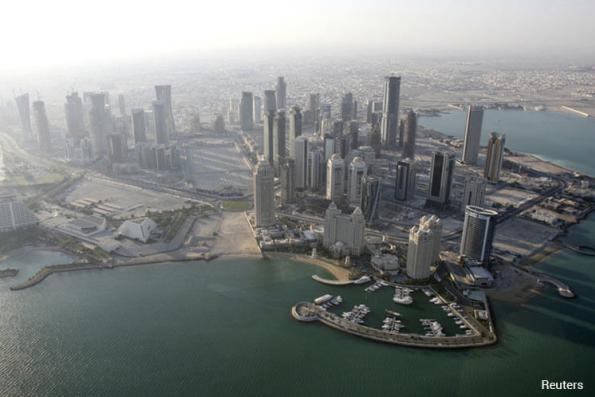Qatar expats say leave cancelled, travel restricted after Arab rift